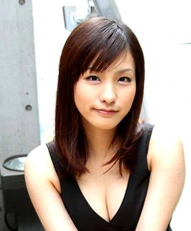 AV 배우 아유카와 나오 사진